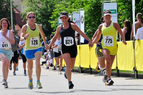 Runners at Ribfest 5 Miler in Merrimack NH