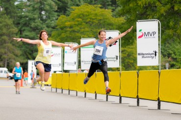 Ladies Leaping at the New Hampshire 10 Miler