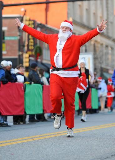 Manchester Santa Claus Shuffle Photos