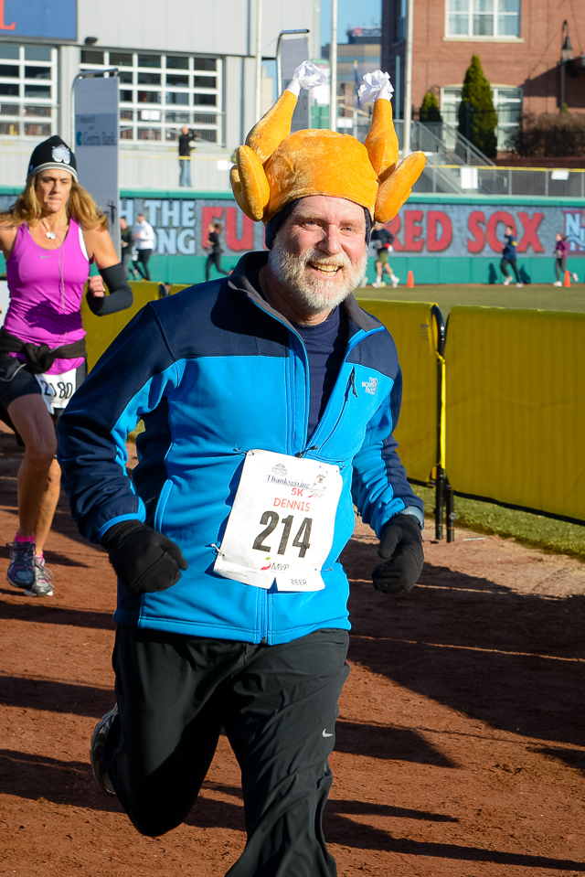 Photos: Action Pictures From the Fisher Cats' Thanksgiving 5K presented by MVP Health Care