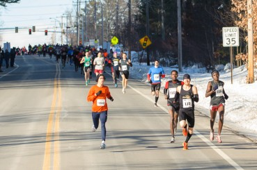 Large pack of runners at Londonderry Millennium Mile in New hampshire