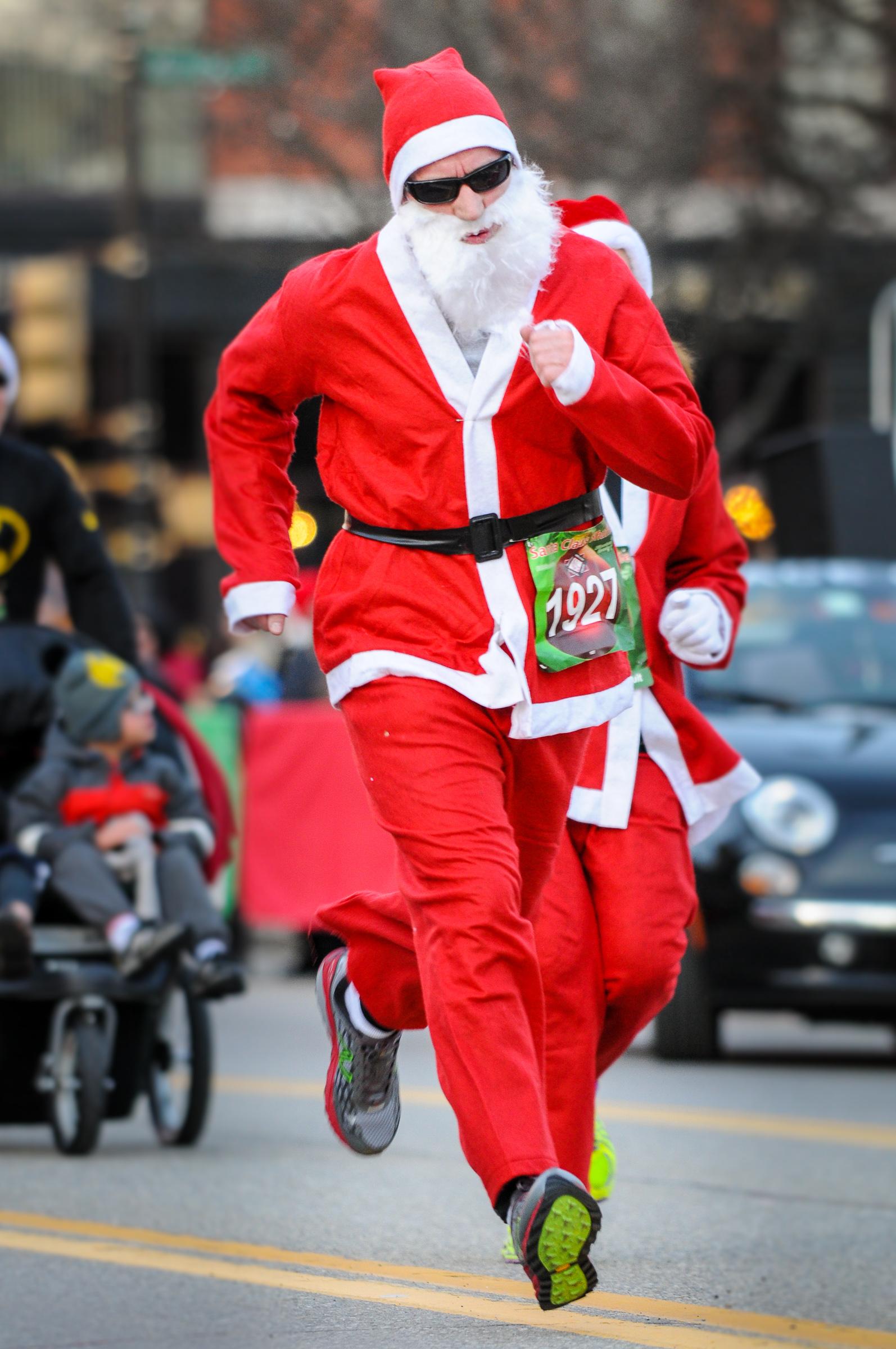 PHOTOS: BASC Santa Claus Shuffle 2013
