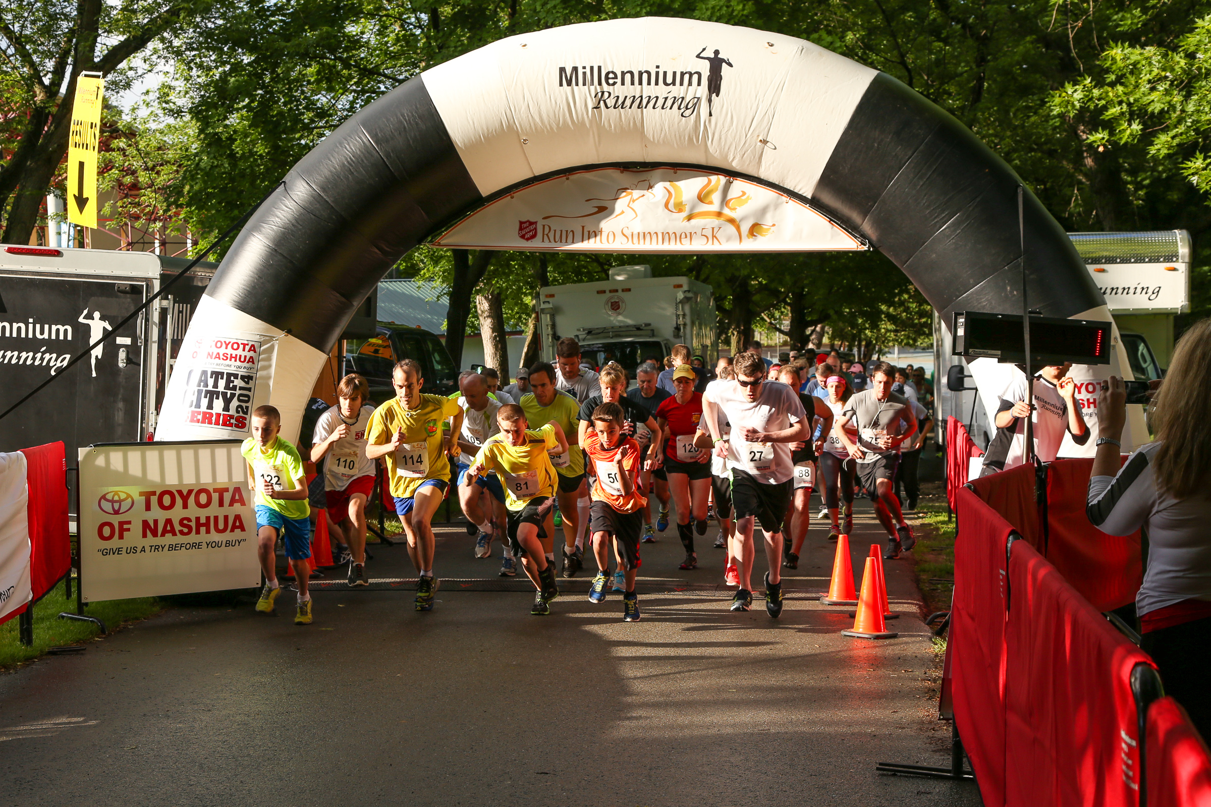PHOTOS: Run Into Summer 2014